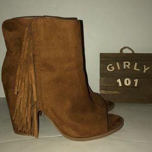 Dolce Vita fringe open toe ankle boots size 8